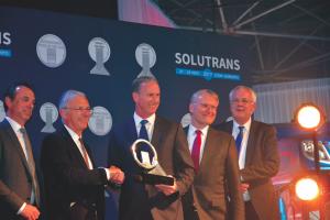 "Les nouvelles gammes DAF CF et XF reçoivent le trophée ""the 2018 International Truck of the Year award""."