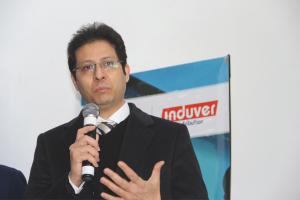 Hakim Abdelmoumen, Directeur général d'AGC Automotive Induver Morocco, répond aux questions de Rechange Maroc