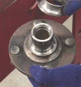 Conseils pour remplacer des roulements de moyeux de roues par NSK